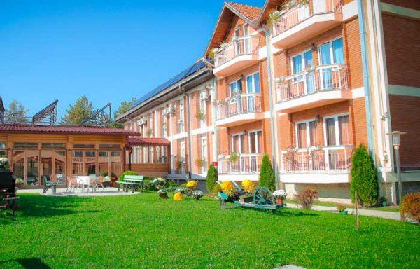 KNIĆ – Hotel Ravni gaj